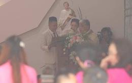 Trực tiếp đám cưới Bảo Thy: Cô dâu chú rể làm lễ tại nhà thờ, an ninh thắt chặt tối đa