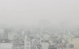 Sài Gòn bị bao phủ một màu trắng đục bất thường: Chuyên gia thời tiết nói gì?