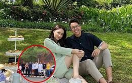 Rộ ảnh nghi vấn Hương Giang tỏ ra xa cách và né chụp ảnh cùng hội bạn cực phẩm của Matt Liu: Thực hư ra sao?