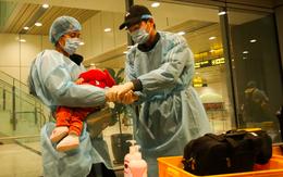 Bé trai 1 tuổi nhiễm COVID-19 đã tiếp xúc gần với 17 người, được đưa đi nhiều quán ăn, hội chợ và ra sân bay