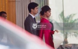 Vì sao vợ Công Phượng lại cầm nón che bụng trong đám cưới?
