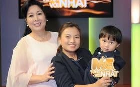 """Độc quyền: Chị Quỳnh Trần gửi lời chào độc giả, Bé Sa mặc vest """"bảnh tỏn"""" đi quay show tại Việt Nam"""