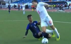 Cập nhật Myanmar 2-1 Campuchia: Cầu thủ U22 Campuchia gặp chấn thương đáng sợ, cổ chân như muốn gập đôi