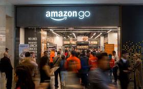 Tưởng siêu thị Vinmart Scan & Go xịn rồi, hóa ra ở Mỹ còn sang gấp bội đến mức ngỡ như phim viễn tưởng