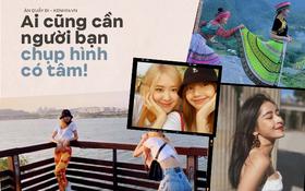 """Từ Việt sang Hàn, ai cũng mong đi du lịch có được người bạn chụp ảnh có tâm, sẵn sàng """"lăn xả"""" như Chi Pu - Diệu Nhi và Lisa - Rosé (BLACKPINK)"""