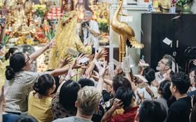 Tận mắt chứng kiến buổi hầu đồng Tứ Phủ được tái hiện tại đền Bà Chúa Kho ở Hà Nội