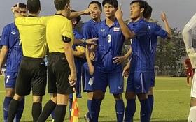 """Cay cú vì Tiến Linh được đá lại penalty, cầu thủ Thái Lan quát vào mặt trọng tài """"Ông là người Việt Nam đúng không"""""""