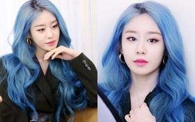 Tung bộ ảnh tóc xanh đẹp xuất thần, Jiyeon gây sốt MXH, khiến dân tình tiếc nuối: Biết thế nhuộm tóc xanh chơi Tết