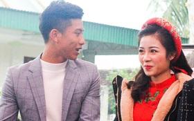 Cập nhật từ nhà Văn Đức: Ngôi sao ĐT Việt Nam động viên vợ xinh đẹp vượt qua cơn say xe, tươi cười đón khách đến mừng đám cưới