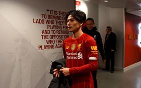 """Hot boy Nhật Bản vừa có màn ra mắt Liverpool: Không những đá bóng giỏi mà còn làm """"bá chủ"""" gameshow truyền hình, nắm giữ 2 kỷ lục hiện tại vẫn chưa lật đổ"""