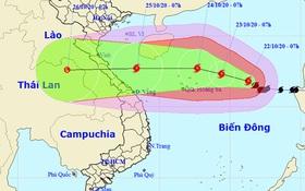 Bão số 8 giật cấp 14 quần thảo trên biển Đông, đang hướng vào miền Trung