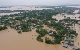 KHẨN CẤP: Có ít nhất 2 xoáy thuận nhiệt đới tiếp tục gây mưa cho miền Trung từ nay đến hết tháng 10⁄2020
