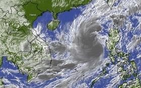 Ngày 27⁄10, bão số 9 giật cấp 17 di chuyển nhanh 20-25km và bắt đầu ảnh hưởng đến đất liền từ Đà Nẵng đến Phú Yên