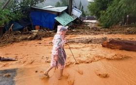 Sạt lở đất đá kinh hoàng ở Quảng Nam, nhiều người bị vùi lấp
