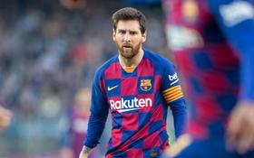 """""""Đột nhập"""" phòng thay đồ Barcelona, nơi mà ghế HLV có 4 chân thì Messi và đồng đội nắm 3 chân"""