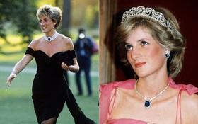 """Diana và 9 bộ cánh tưởng """"ok"""" nhưng lại là """"tày trời"""" với Hoàng gia Anh: Nổi tiếng nhất là """"váy trả thù"""", bất ngờ nhất là lần lộ hàng khi còn là cô trông trẻ"""