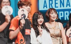 Khóc thay phận fan girl, ADC vừa vô địch đã công khai người yêu hot tiktoker Kim Chung Phan trên sân khấu rồi!