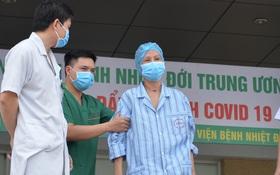 """Giám đốc Bệnh viện Bệnh Nhiệt đới Trung ương: """"Bệnh nhân 19 nhiều lần dọa tử vong"""""""