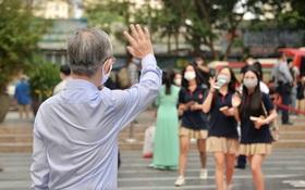 Buổi sáng mùa hè tháng 5 quay lại trường sau kỳ nghỉ dài bất tận: Chúng mình đi học!