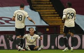 Manchester United 3-0 Aston Villa: Pogba nổ súng, sao trẻ Greenwood thăng hoa, Quỷ đỏ nâng chuỗi bất bại lên con số 17