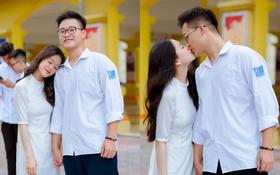 """Cặp đôi 6.5 IELTS hôn nhau ngọt ngào ngày bế giảng: """"Ra trường rồi, tớ vẫn sẽ đón cậu đi học mỗi ngày"""""""