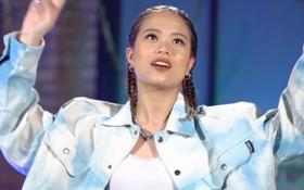 Clip: Nữ rapper đầu tiên của Rap Việt giới thiệu cực ngầu, tên một đằng nhưng đăng ký một nẻo vì... thích thế