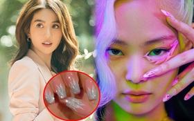 """Ngọc Trinh thế mà cũng có lúc """"tụt trend"""": Mê BLACKPINK lắm mà giờ mới đi làm nail giống Jennie trong MV cũ"""