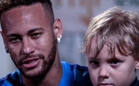 Động thái mới nhất của Neymar trước thông tin bị nhiễm COVID-19: Vẫn vui vẻ chơi đùa cùng con trai, không đeo khẩu trang hay giãn cách như chẳng có chuyện gì xảy ra