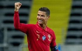 Một lần nữa Ronaldo nhấn mạnh, anh tốt hơn Messi