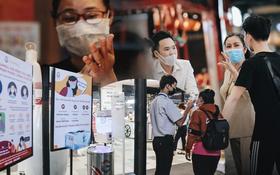 """Cuộc sống """"bình thường mới"""" ở Sài Gòn giữa dịch Covid-19: Tự giác ngồi giãn cách, đeo khẩu trang và sát khuẩn tay"""