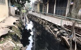 Người dân Hà Nội ám ảnh bởi con mương ô nhiễm dài 3km: Có gia đình 3 thế hệ ngửi mùi nước cống, sống chung với chuột bọ