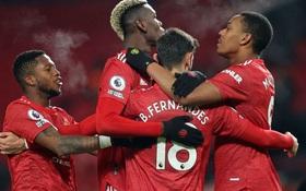 Bruno Fernandes và Pogba tỏa sáng giúp MU bằng điểm đội đầu bảng Liverpool