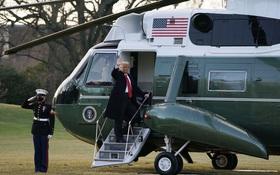 Ông Donald Trump lên máy bay, chính thức rời Nhà Trắng lần cuối dưới cương vị Tổng thống Mỹ