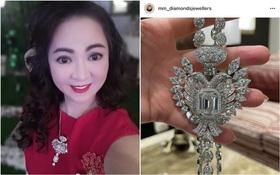 """Bà trùm Đại Nam bất ngờ bị tố đeo dây chuyền kim cương fake, còn """"chôm"""" ảnh của người ta: Rốt cuộc chuyện này là sao?"""
