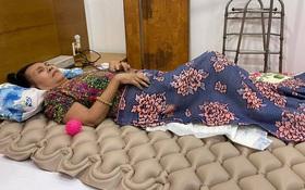 NS Hoàng Lan đã phẫu thuật phần lưng bị hoại tử đến mức lộ xương, người nhà tiết lộ luôn tình trạng hiện tại