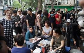 Hà Nội lại bước vào một mùa Tết Hàn thực vui như trảy hội: Ở đâu có bánh trôi, bánh chay là ở đó tưng bừng!