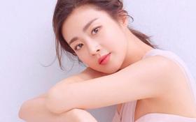 Top 1 Naver: 8 tháng trước còn bị đồn quay lại với Hyun Bin, Kang Sora giờ đã hạ sinh con đầu lòng cho chồng bác sĩ