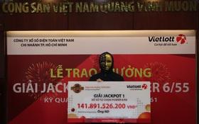 Người trúng vé số Vietlott 141,8 tỷ đồng là nhân viên văn phòng ở TP.HCM