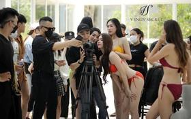 Vũ Khắc Tiệp và Ngọc Trinh ngang nhiên tổ chức buổi chụp bikini đông người giữa dịch Covid-19