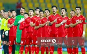 Đây là hình ảnh không có trên tivi vì 5 phút sự cố mất đường truyền trận Việt Nam - UAE làm dân tình sốt hết cả ruột!