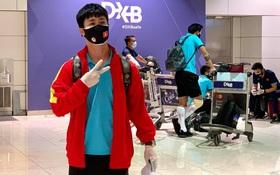 Trực tiếp từ UAE: Bùi Tiến Dũng vẫy tay tạm biệt nhóm cầu thủ về Việt Nam trước