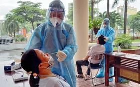 Phát hiện thêm 10 ca Covid-19 không rõ nguồn lây từ bệnh viện, TP.HCM đã có 1.971 ca nhiễm