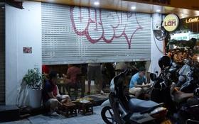 """Hà Nội: Nhiều quán """"nhốt khách"""", cố bán tiếp sau quy định đóng cửa trước 21h"""