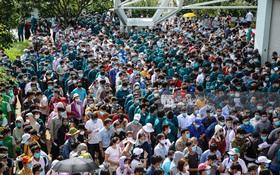 Ảnh, clip: Hơn 9.000 người tại TP.HCM đến Nhà thi đấu Phú Thọ chờ tiêm vaccine COVID-19