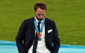 """Lòng vị tha kỳ lạ của nước Anh với """"gã ngốc"""" Gareth Southgate: Kẻ tội đồ được tẩy trắng"""
