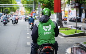 Hà Nội giãn cách theo Chỉ thị 16: Grab, Be, Gojek... có được chở khách hay không?