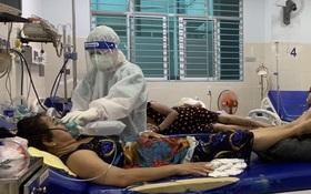 Nữ điều dưỡng tại TP.HCM: Không ăn uống, đi vệ sinh trong suốt hơn 7 tiếng trực, người ướt sũng, tay nhăn nheo vì nóng