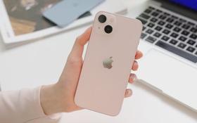 Ngắm ảnh thực tế iPhone 13 đầu tiên về Việt Nam, màu hồng đẹp xuất sắc!