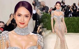 Hương Giang lần đầu đổ bộ sự kiện, bùng nổ visual với váy xuyên thấu giống hệt Kendall Jenner sau 7 tháng ở ẩn?