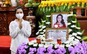 Lễ cầu siêu nữ ca sĩ Phi Nhung: Xót xa di ảnh người quá cố, Thanh Lam - Phương Thanh và các nghệ sĩ nghẹn ngào tiễn biệt